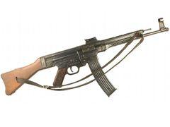 Replika puška StG 44 s popruhom